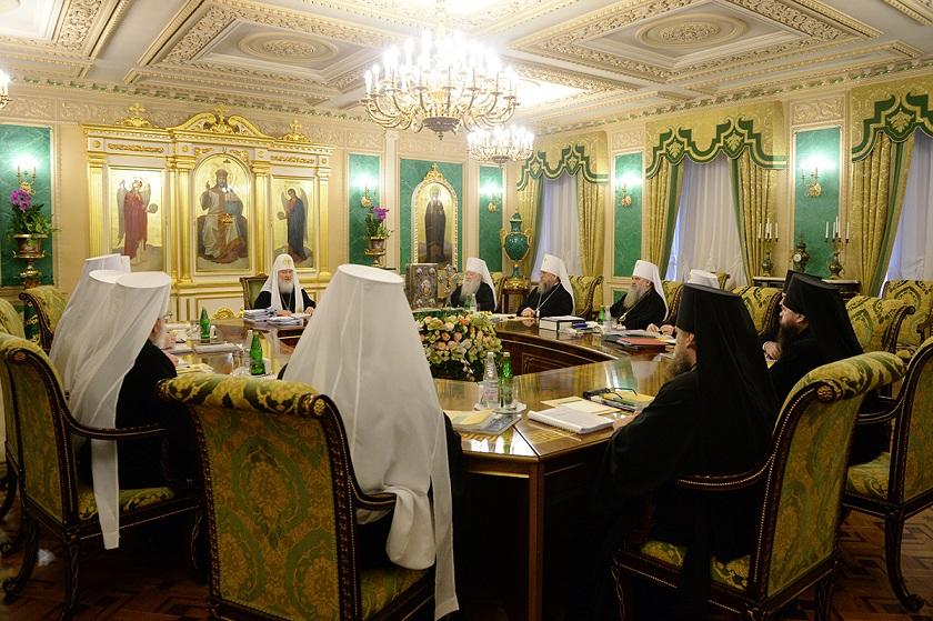 Священный Синод создал Отдел по взаимоотношениям Церкви с обществом и СМИ