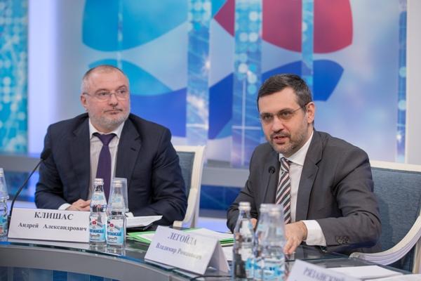 В.Р. Легойда принял участие в работе круглого стола в Совете Федерации