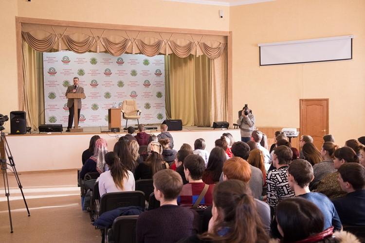 В.Р. Легойда провел встречу со студентами Пятигорского медико-фармацевтического института
