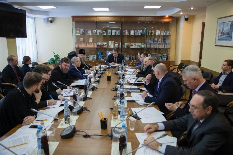 В Госдуме состоялось расширенное заседание по подготовке Рождественских Парламентских встреч