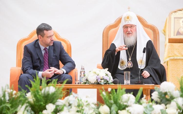 Соприкасаясь с информационной сферой, важно уметь отделять «сигналы» от «шумов» — Патриарх Кирилл