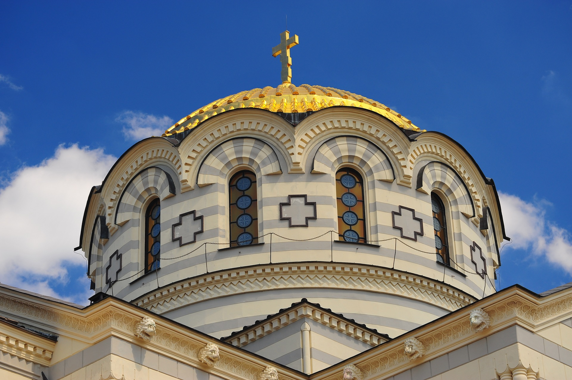 В.Р. Легойда: Ситуации Исаакиевского собора и объектов в Херсонесе совершенно разные