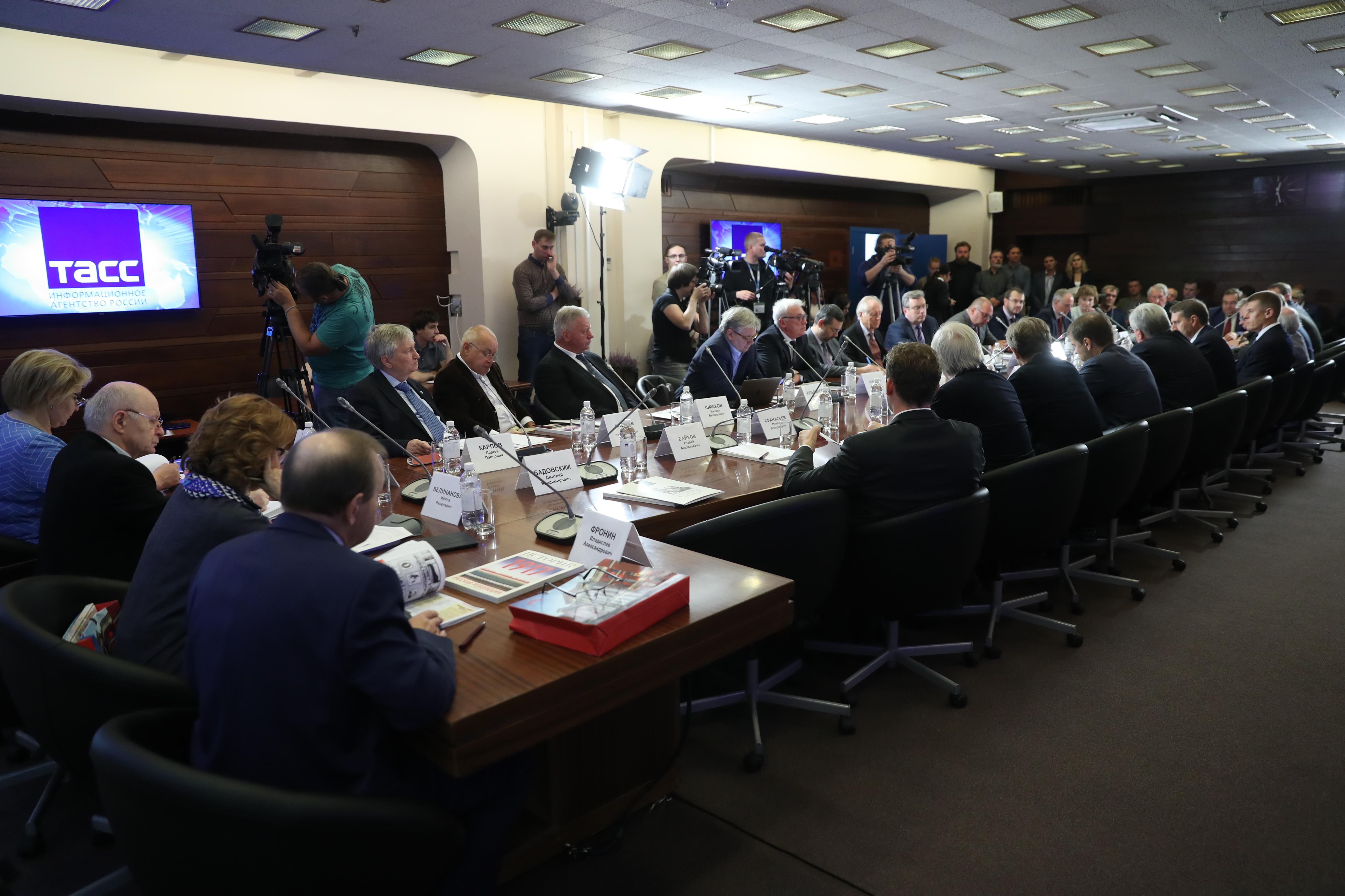 В.Р. Легойда принял участие во втором заседании организационного комитета по подготовке и проведению мероприятий, связанных со 100-летием Революции 1917 года в России
