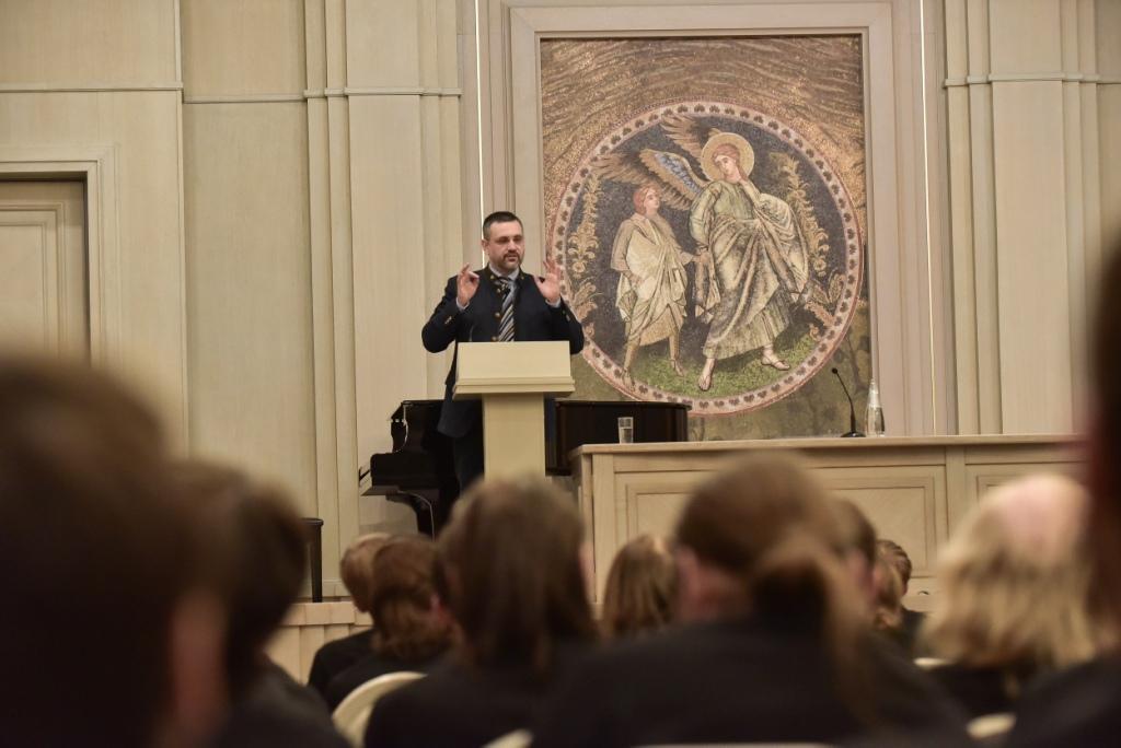 В.Р. Легойда встретился с воспитанниками Сретенской семинарии