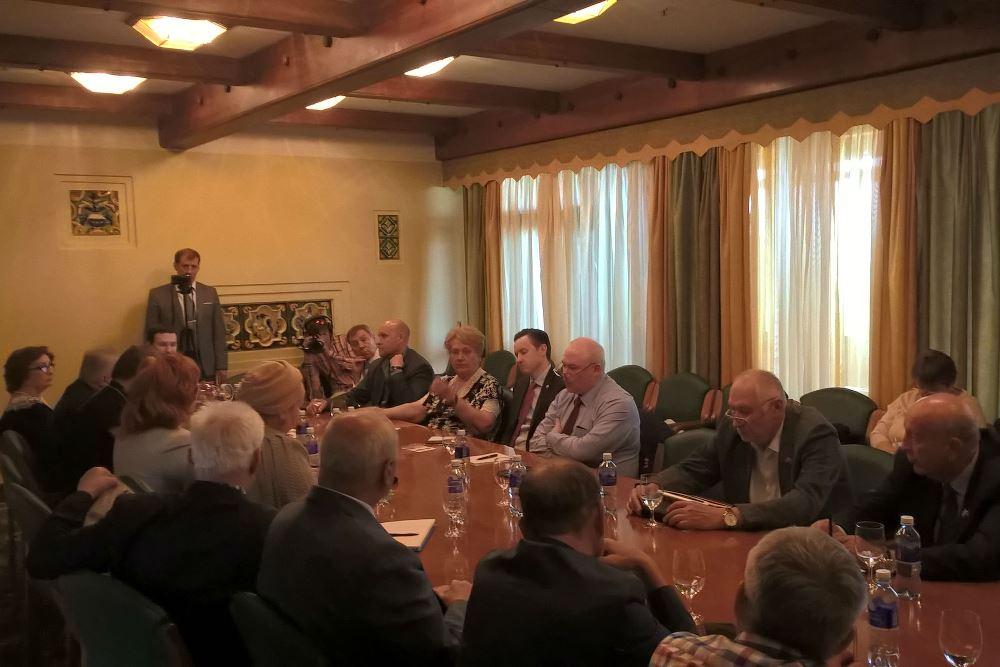 Сотрудник Управления по работе с государственными структурами принял участие в заседании президиума Общественной Палаты Союзного государства