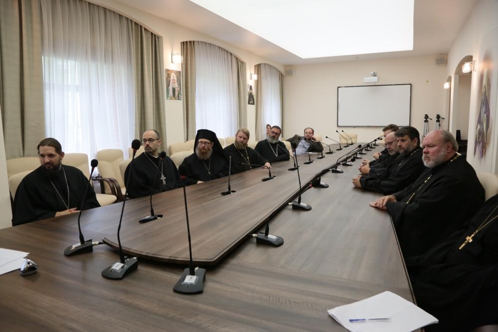В Андреевском монастыре прошла встреча В.Р. Легойды с участниками Летнего института для представителей Православной Церкви в Америке