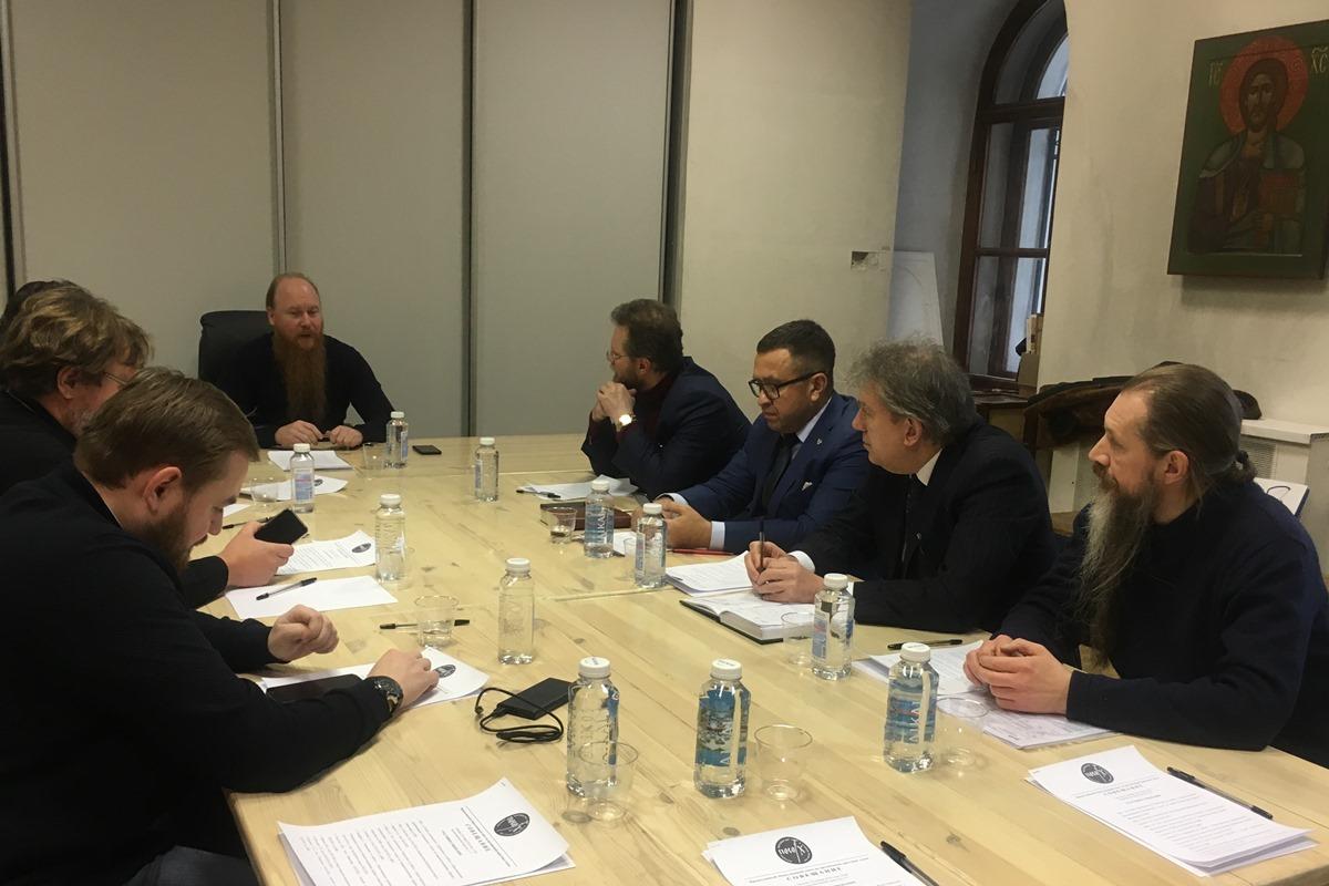 Протоиерей Димитрий Рощин возглавил заседание Совета по крестным ходам