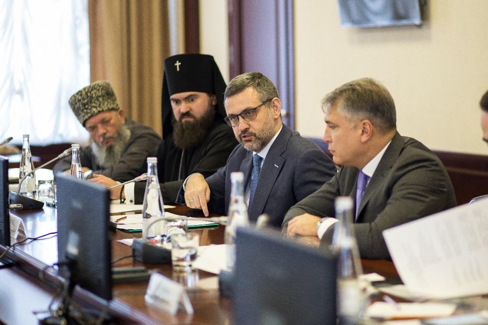 Роль СМИ в возрождении волонтерства в России обсудили в Пятигорске члены правления Ассоциации СМИ СКФО