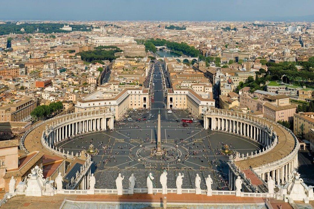 Председатель Синодального отдела по взаимоотношениям Церкви с обществом и СМИ В.Р. Легойда находится с визитом в Ватикане