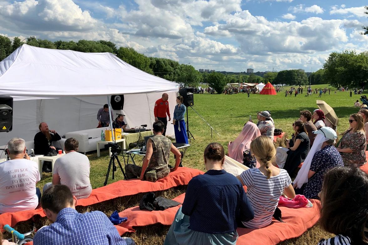 Руководители Отдела по взаимоотношениям Церкви с обществом и СМИ приняли участие в фестивале «Православие и спорт» в Коломенском