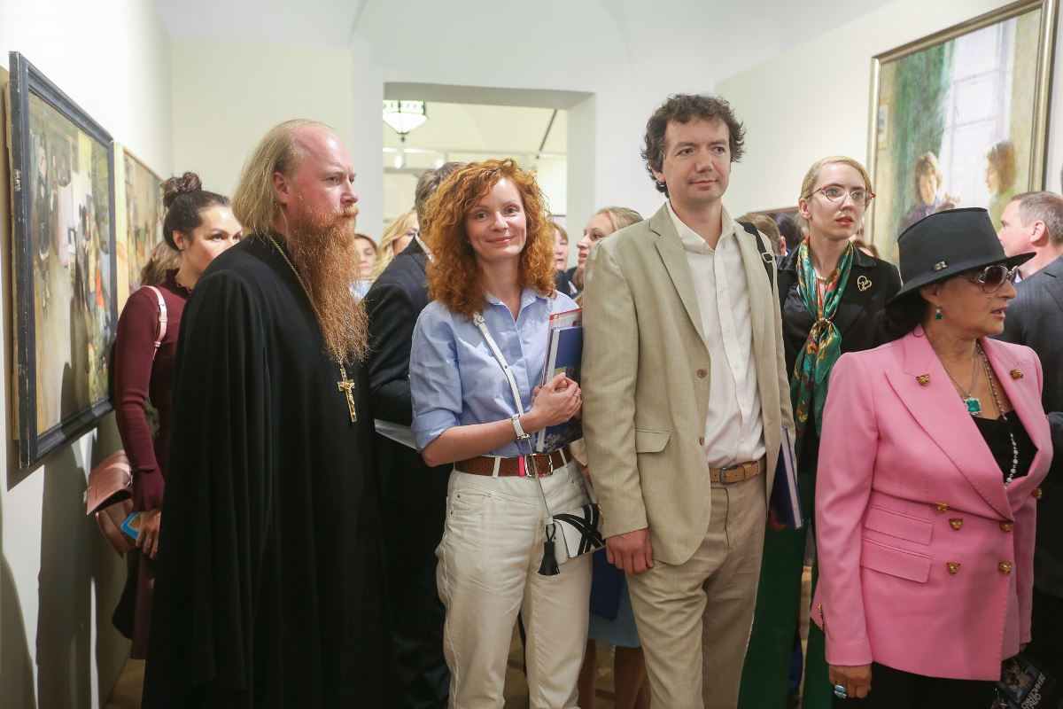 Протоиерей Димитрий Рощин принял участие в открытии выставки «Семья — душа России» в Царицыне