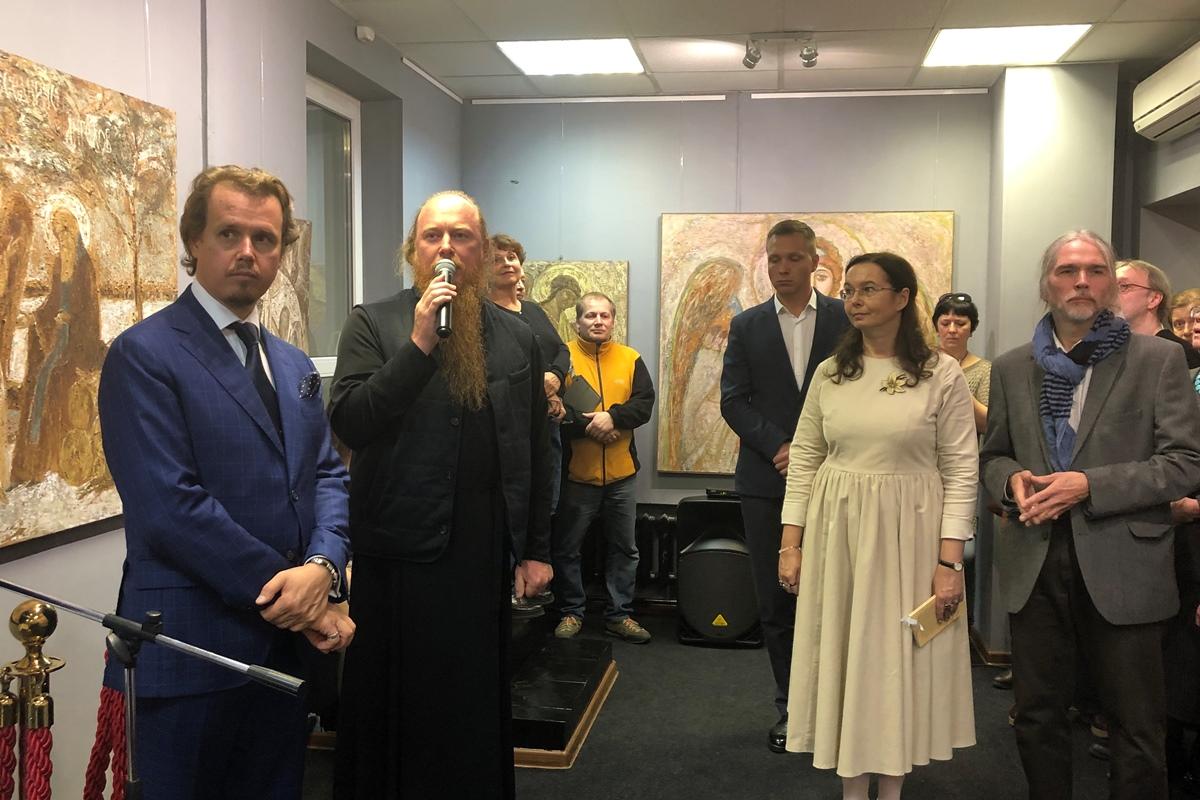 В библиотеке им. А.П. Боголюбова открылась галерея современного искусства