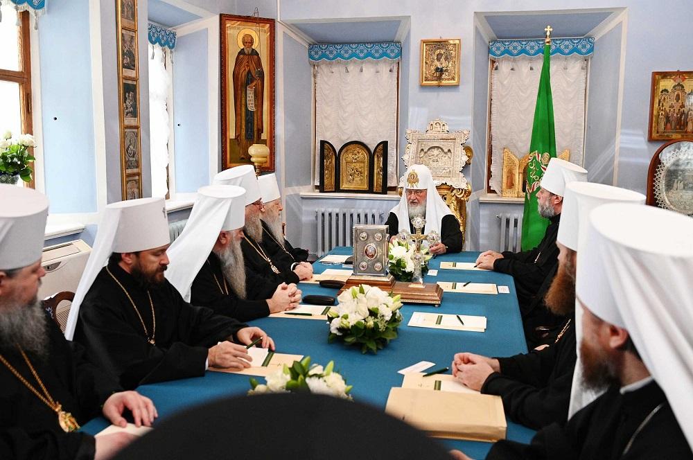 Священный Синод принял в состав Русской Православной Церкви Архиепископию западноевропейских приходов русской традиции