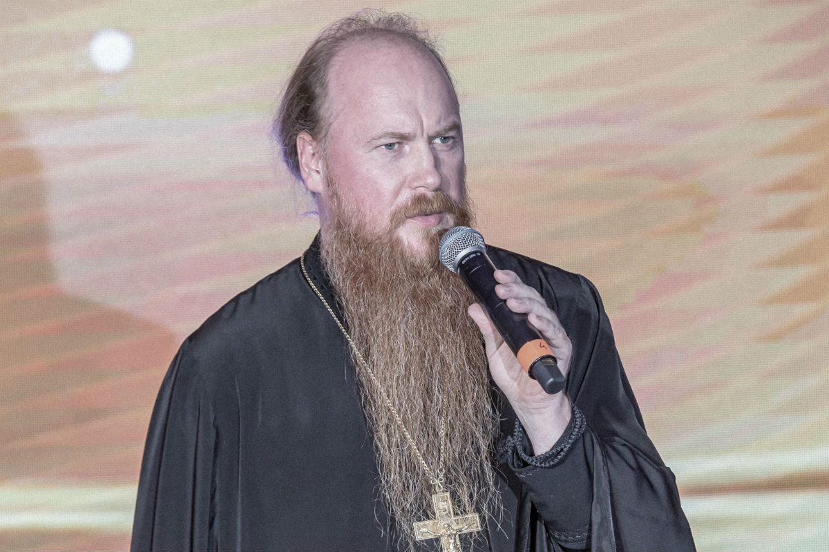 Протоиерей Димитрий Рощин передал благословение Святейшего Патриарха «Зимнему балу»