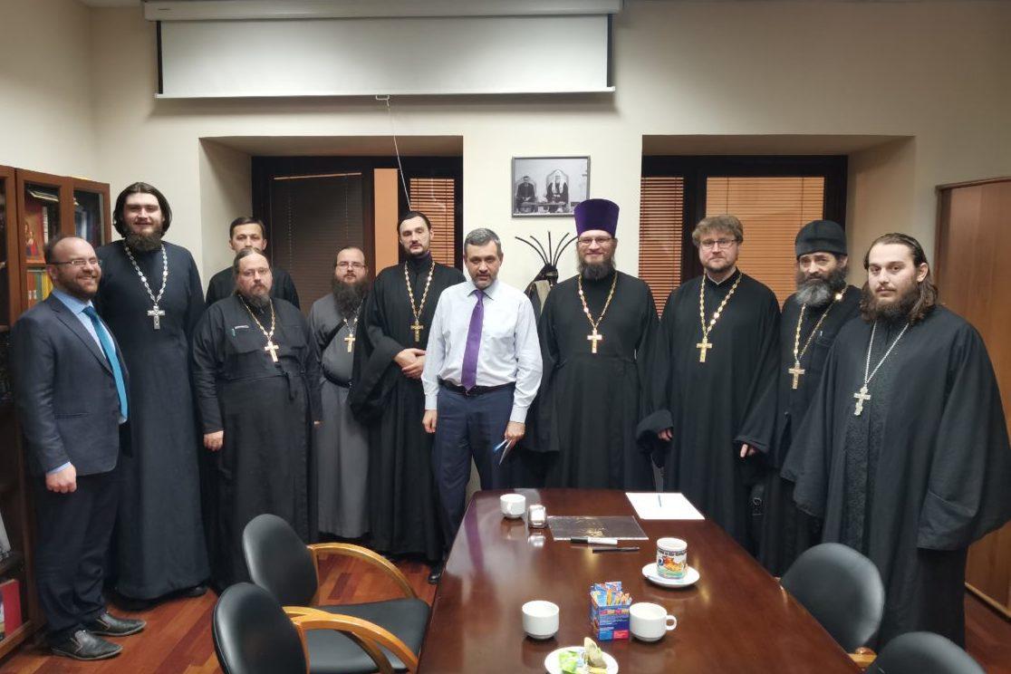 В.Р. Легойда встретился со священнослужителями-видеоблогерами