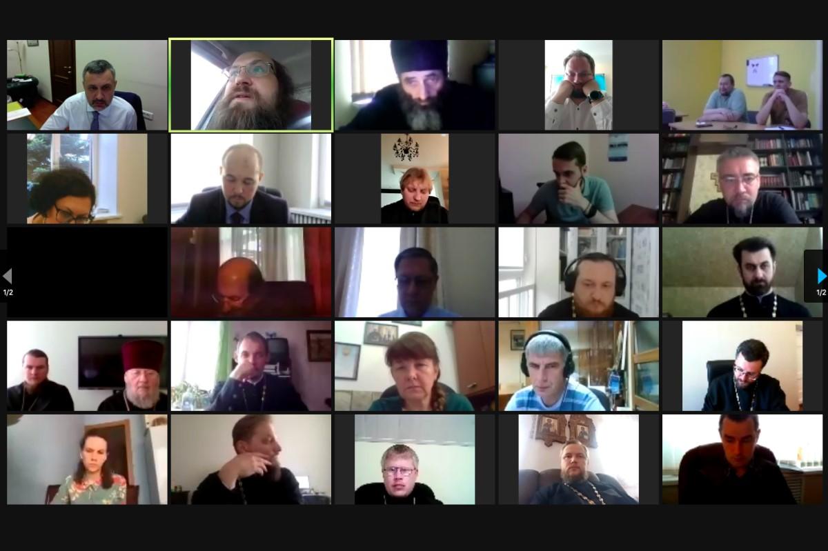 Состоялось онлайн-совещание В.Р. Легойды с представителями епархий Центрального федерального округа